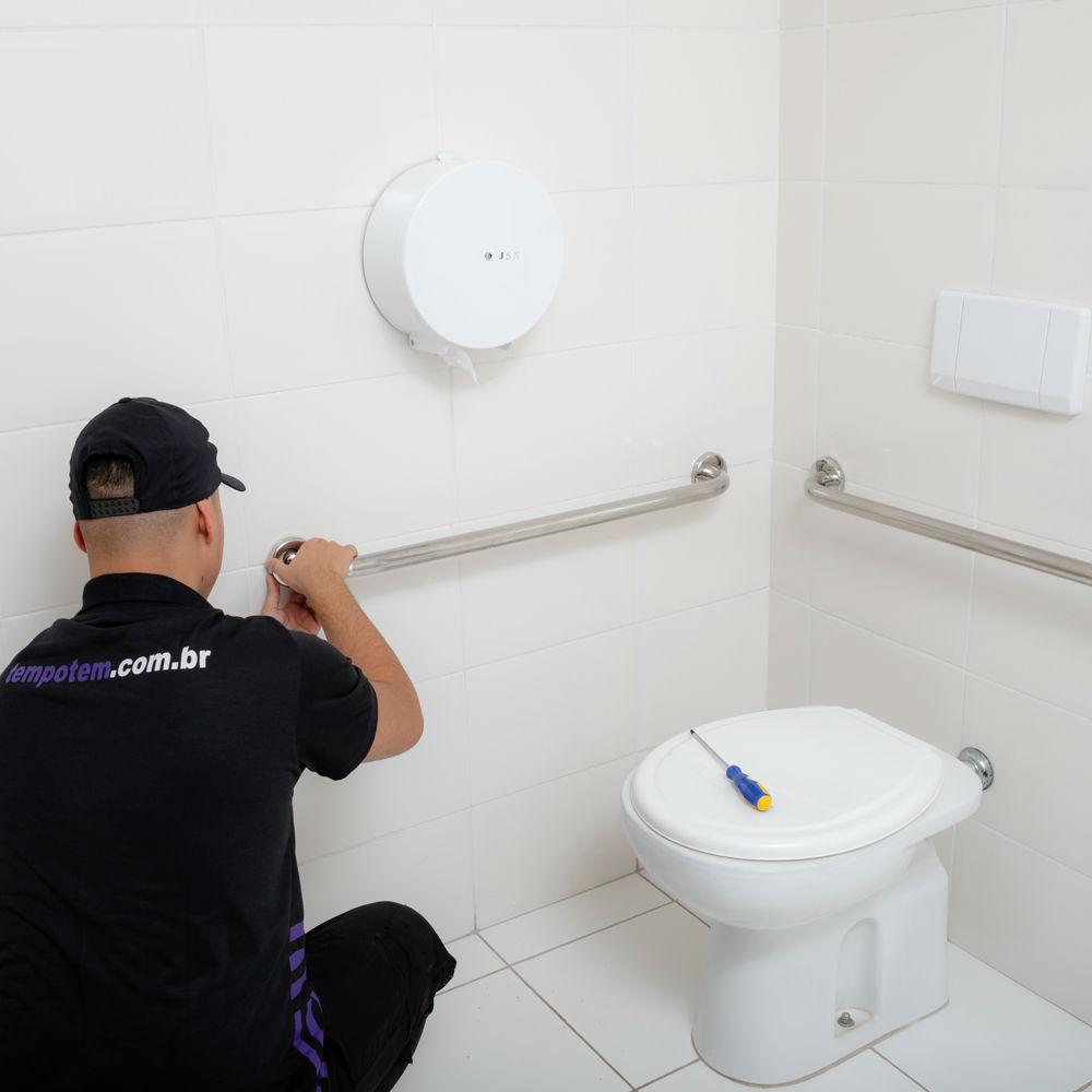 Serviço de instalação de barra de apoio para banheiro