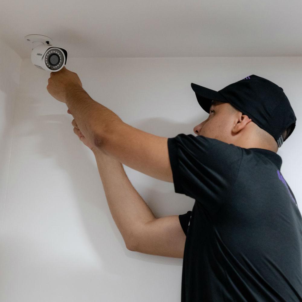 Serviço de instalação de até 4 câmeras de segurança com instalação em locais de até 4 metros de altura