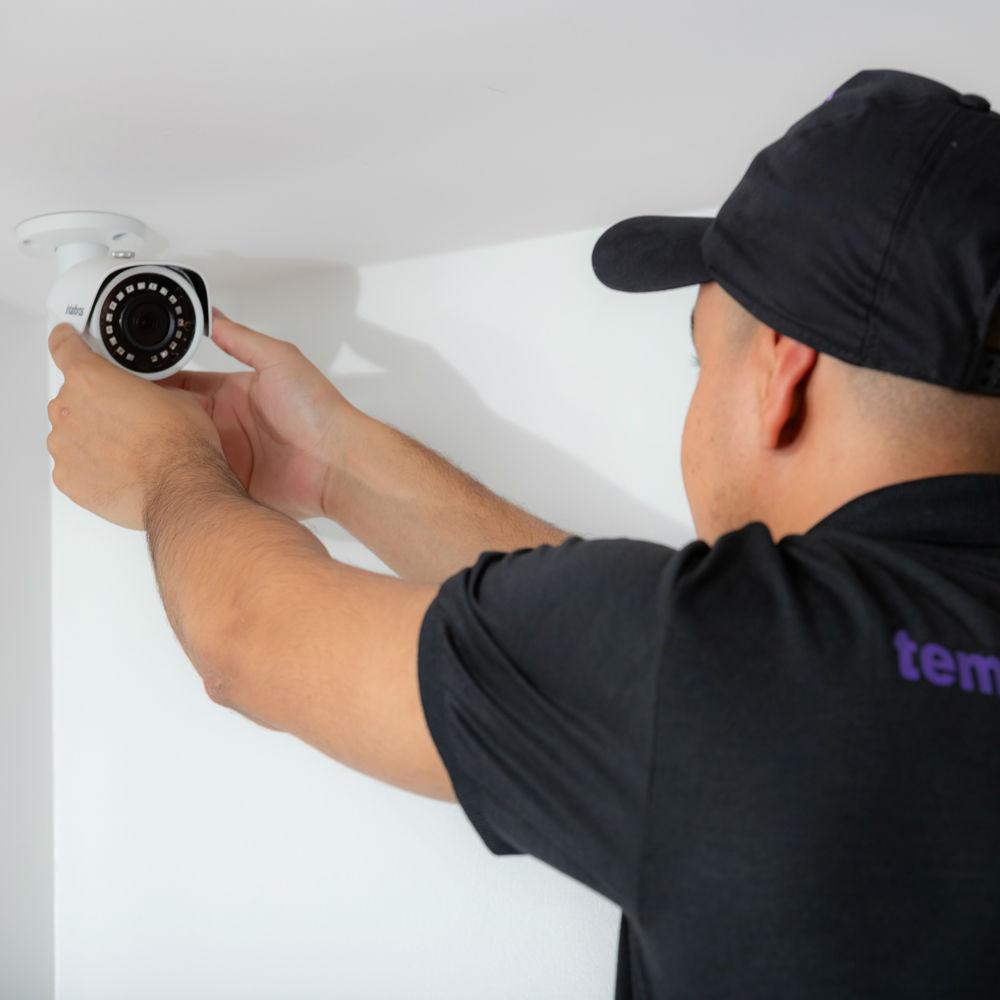 Profissionais especialistas em instalação de câmeras de segurança