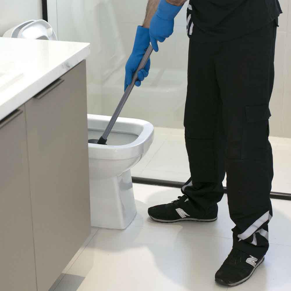 Equipe especializada em desentupimento de vaso sanitário na Grande São Paulo