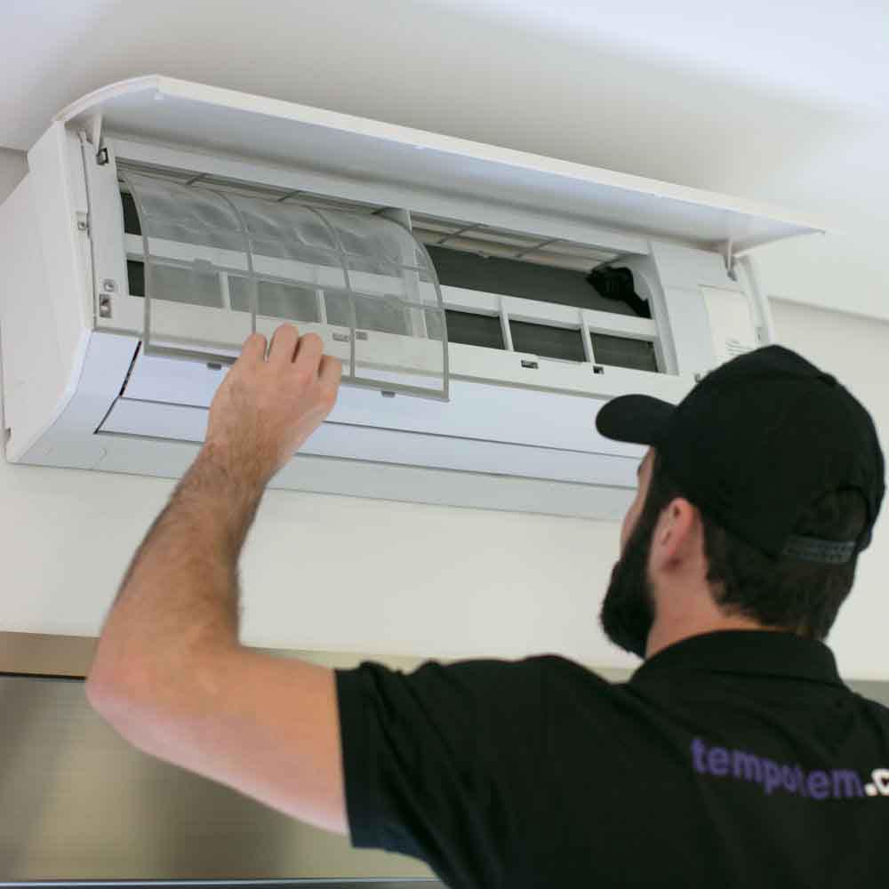 Limpeza completa de ar-condicionado com garantia