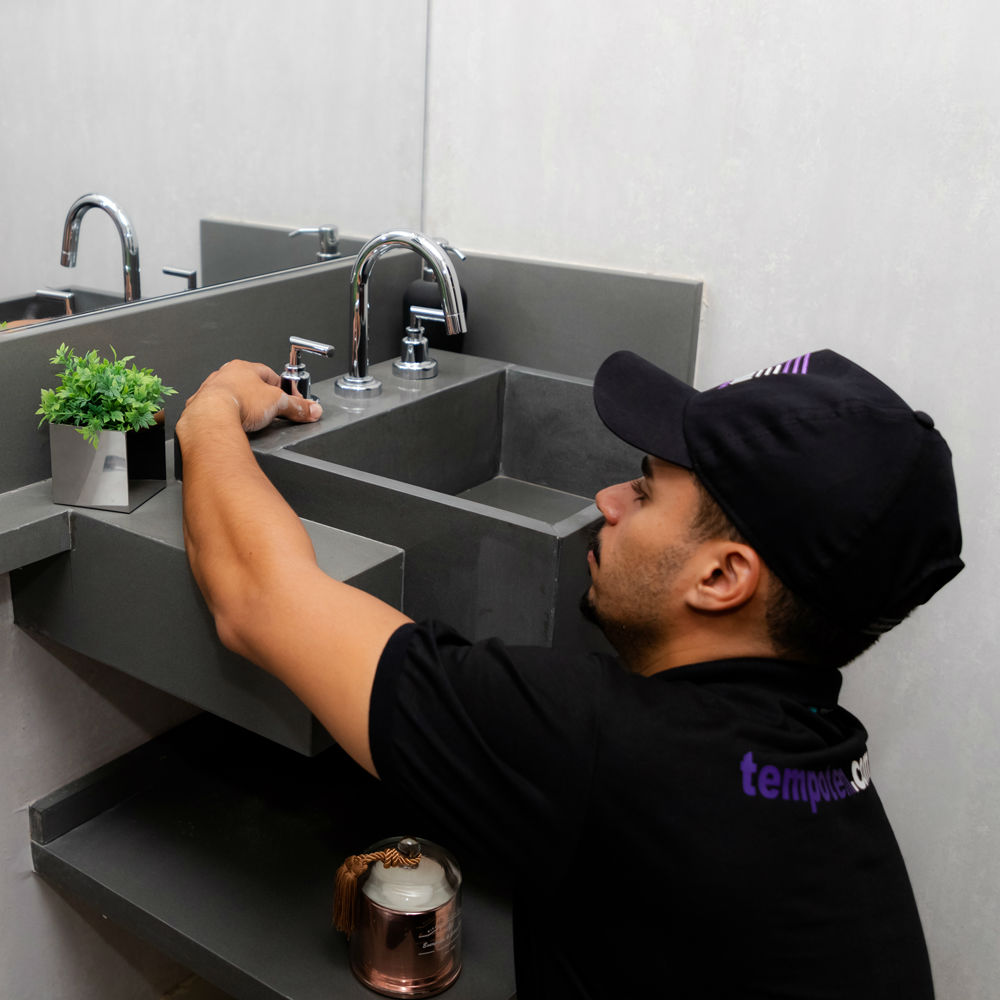 Empresa de instalação ou troca de torneira com misturador TempoTem