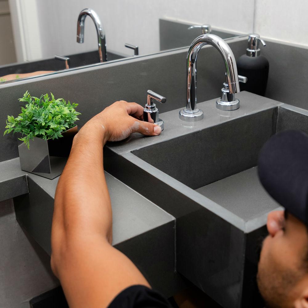 Serviço de instalação ou troca de torneira com misturador