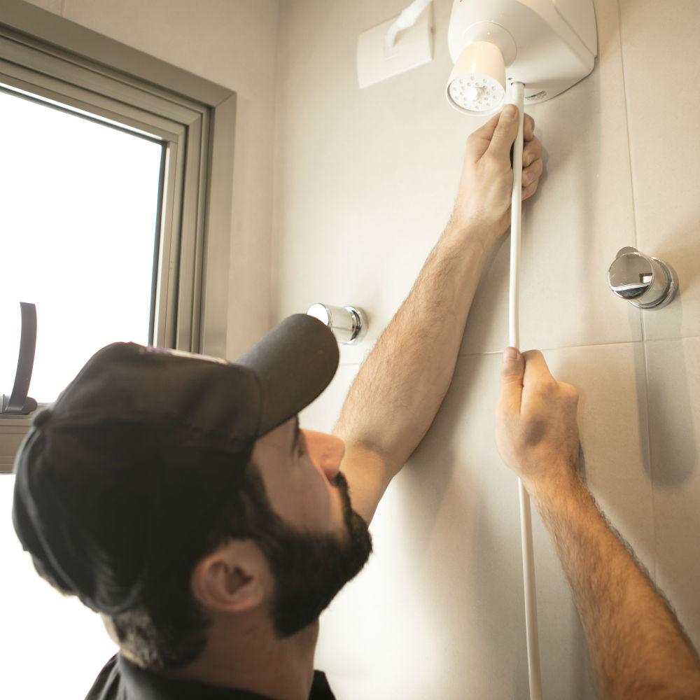 Serviço de instalação ou troca de chuveiro elétrico