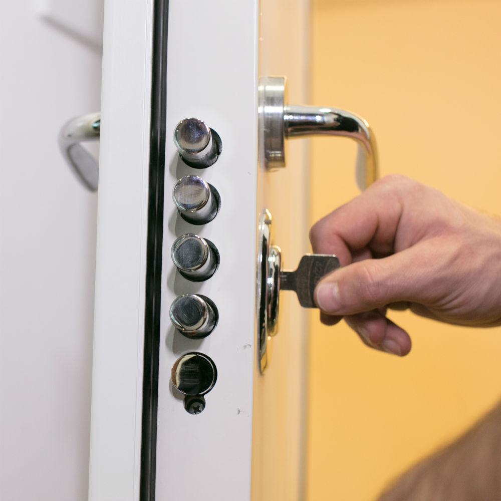 Empresa de manutenção de fechadura multiponto TempoTem