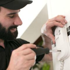 Serviço de instalação de interfone feito por equipe especializada