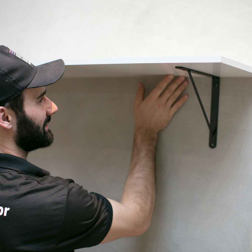 Serviço de instalação de prateleiras em ambientes internos ou externos