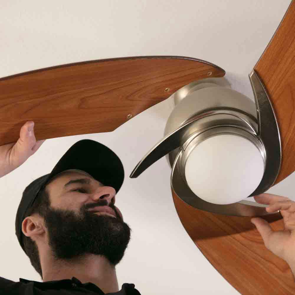 Manutenção de ventilador de teto