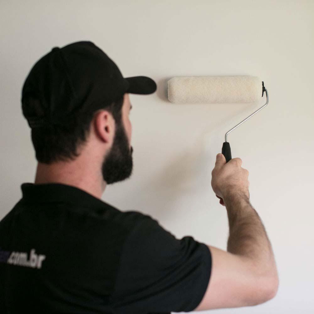 Serviço de pintura simples em áreas internas na cor branco fosco