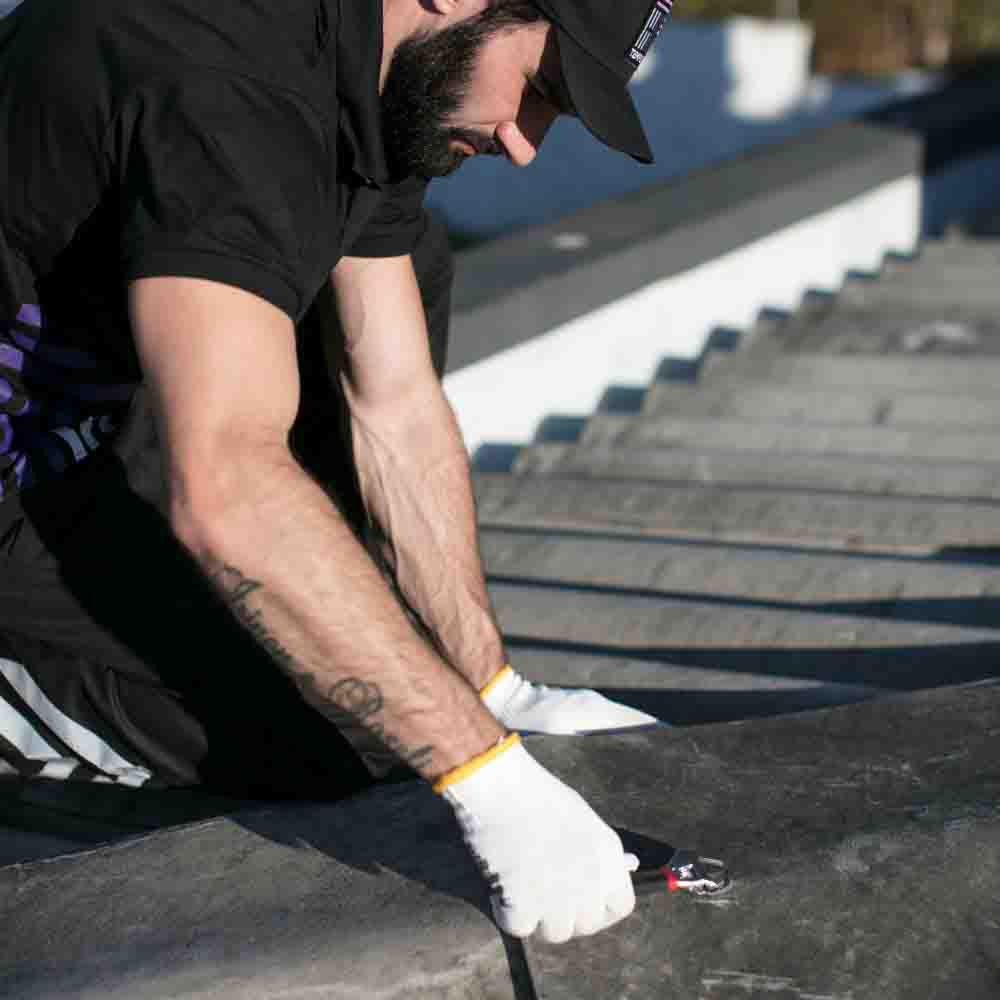 Equipe de encanadores especializada em contenção de vazamento em telhados