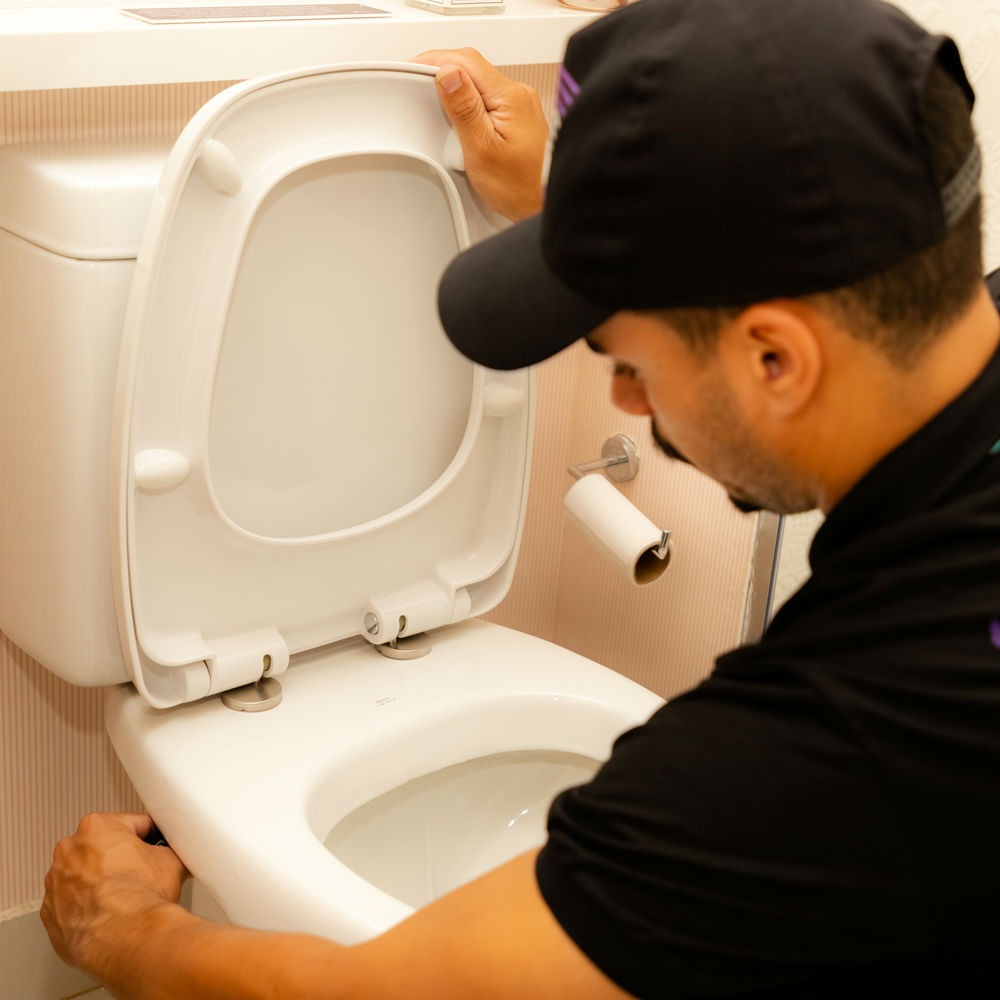 Serviço de contenção de vazamento de vaso sanitário